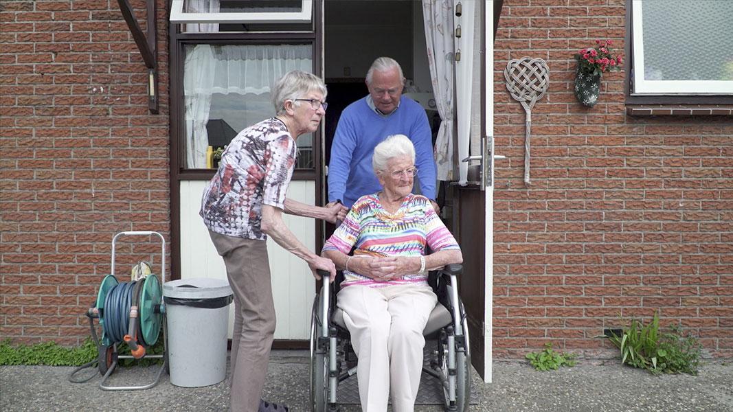 Mantel der Liefde - Documentaire - Olaf Koelewijn